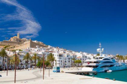 alquiler de un coche en Ibiza